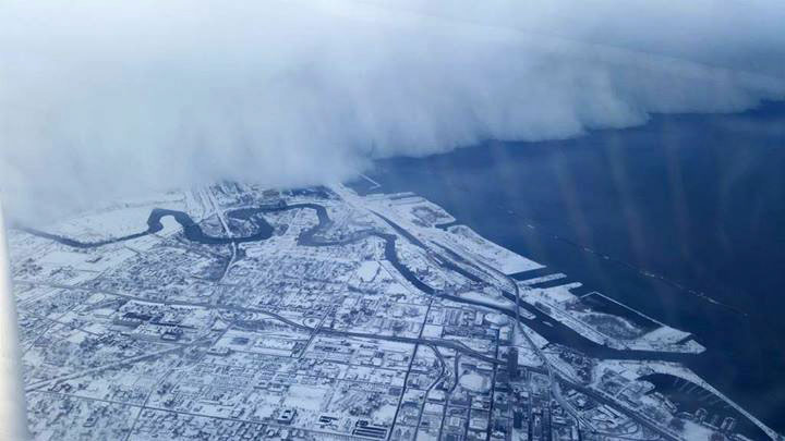 Massive Lake Effect Snow Wall in New York via Sploid