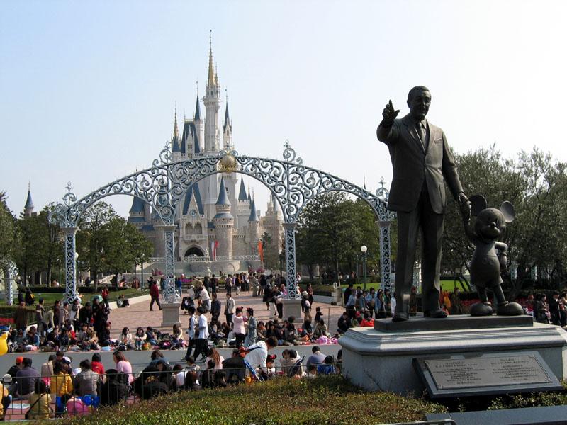 Tokyo Disneyland, March 2004